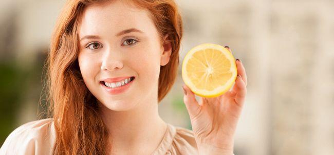 Wie Sie Ihr Haar mit Zitronensaft zu färben? Foto