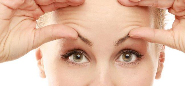Wie zu identifizieren und auf Eyebrows verhindern Haarausfall? Foto