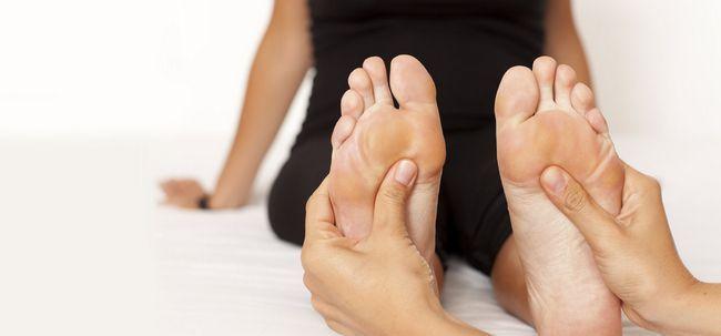 How To Stop Übelkeit mit Fußreflexzonenmassage? Foto
