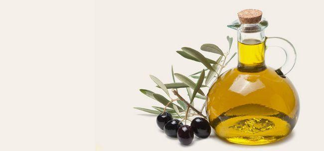 Wie Olivenöl verwenden strahlende Haut zu bekommen? Foto