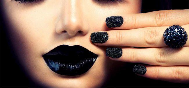How To Wear Black Lippenstift Foto