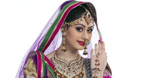 Maharashtrian Braut Make-up - Schritt für Schritt-Anleitung mit Bild Foto