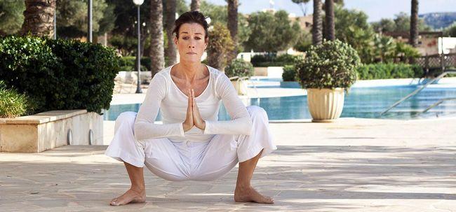 Malasana / Yoga Squat / Garland Pose - How To Do und was sind die Vorteile? Foto