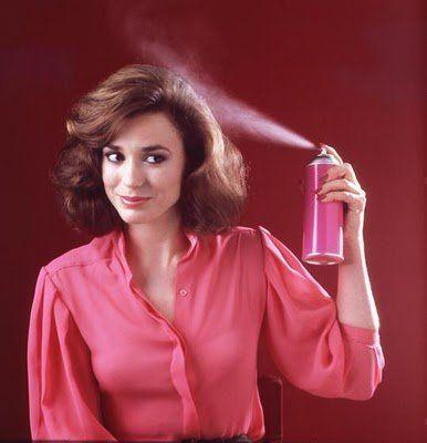 Sprühen Sie Ihr Haar ohne Hitze für Begradigung