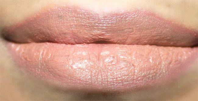 Atemberaubende Nude-Lippen Make-up - Tutorial mit detaillierten Schritte und Bilder Foto