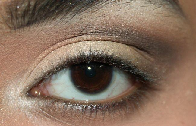 Umkehren Smokey Eye Make-up Look Tutorial (3)