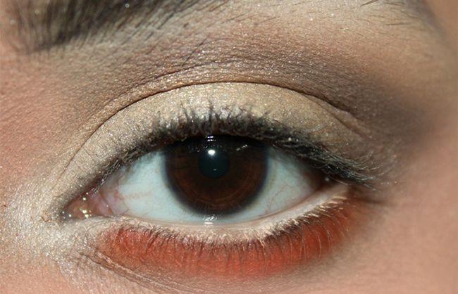 Umkehren Smokey Eye Make-up Look Tutorial (4)