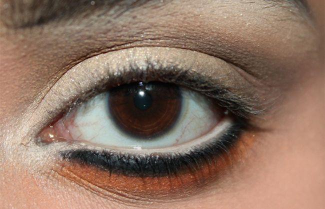 Umkehren Smokey Eye Make-up Look Tutorial (5)