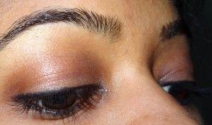 Kleine Augenbrauen