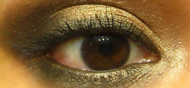 Schwül Bronze Smokey Eye Makeup - Tutorial mit detaillierten Schritte und Bilder Foto