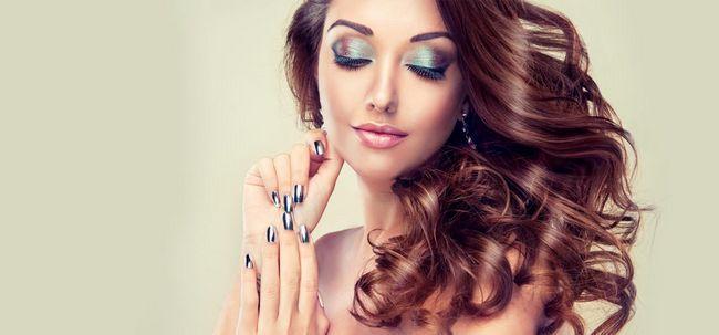 Die ultimative Anleitung Shimmery Gesicht Make-up zu tun Foto