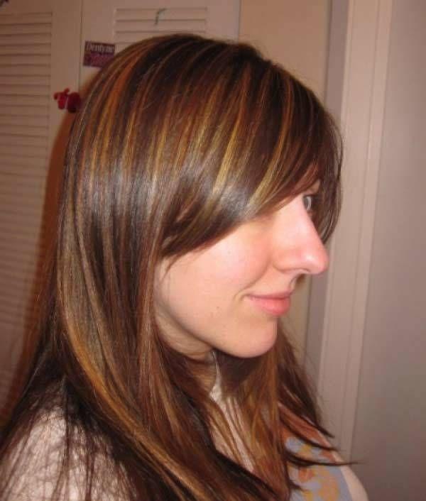 Haarfarbe für helle Haut und dunkle braune Augen