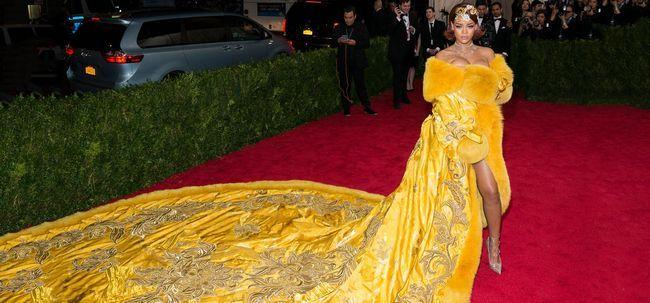 Top 10 schön gekleidete Frauen auf der ganzen Welt Foto
