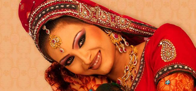 Top 10 Lakme Bridal Salon Pakete Foto