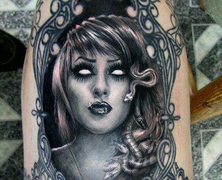 Moderne Medusa Tattoo