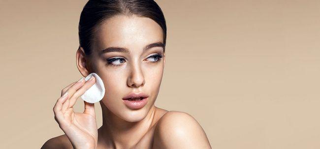 Top 10 auf Wasserbasis Feuchtigkeitscremes für fettige Haut Foto