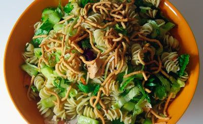 Asian Style Chicken and Pasta-Salat