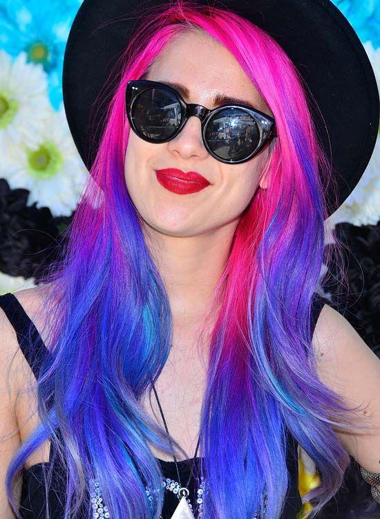 Dazzling-Layered-Wellen-in-Rosa-und-Blau