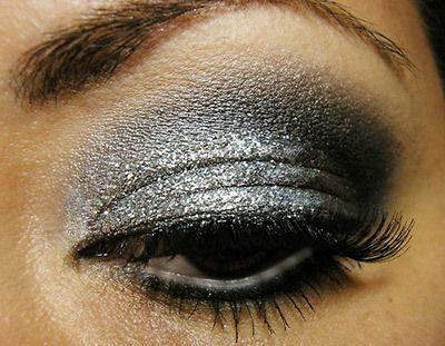 Smokey Silver Glitter Augen-Make-Up