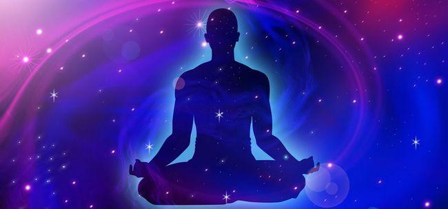 Was ist kosmische Energie Meditation und was sind die Vorteile? Foto