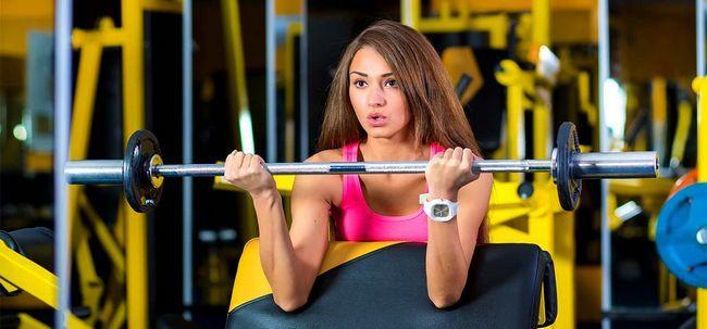 Welche Übungen sollte ich tun - Cardio oder Krafttraining? Foto