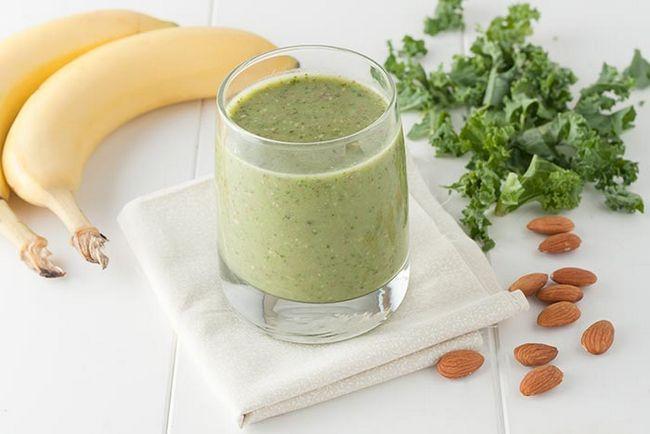 Grüne Smoothie mit Bananen