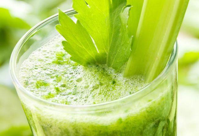 Grün Gemüse Smoothie mit Sellerie
